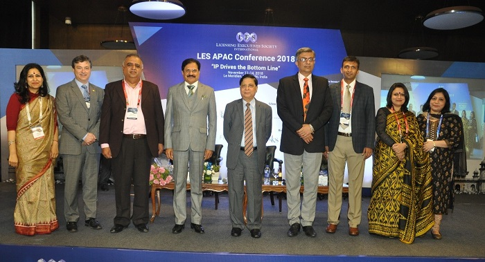 L-R - Ms. Lakshika Joshi, Additional Director, LES India, Francois Painchaud, President, LES International, Dr. Raj Hirwani, President, LES India, Sukumar Pattjoshi, Sr. Advocate, Hon'ble Justice Dipak Misra, Former Chief Justice of India, Rajiv Aggarwal, Joint Secretary, Department of Industrial Policy & Promotion, GoI, Dr. Hemang Shah, Member, Executive Council, LES India, Richa Pandey, Secretary, LES India and Taruna Gupta, Joint Secretary, LES India